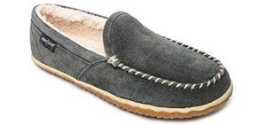 Minnetonka Men's Tilden - Indoor Outdoor Narrow Fit Slippers