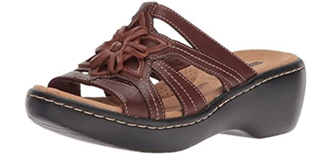 Clarks Women's Delana Venna - Wide Width Wedge Sandals